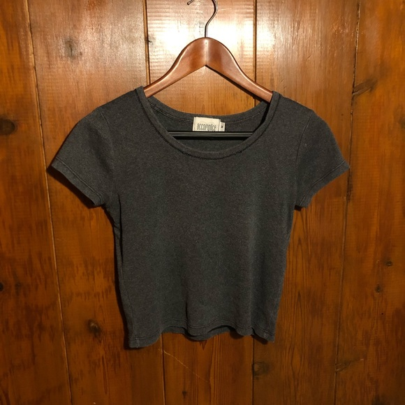 Tops - Vintage 90s Grunge Gray Crop Top